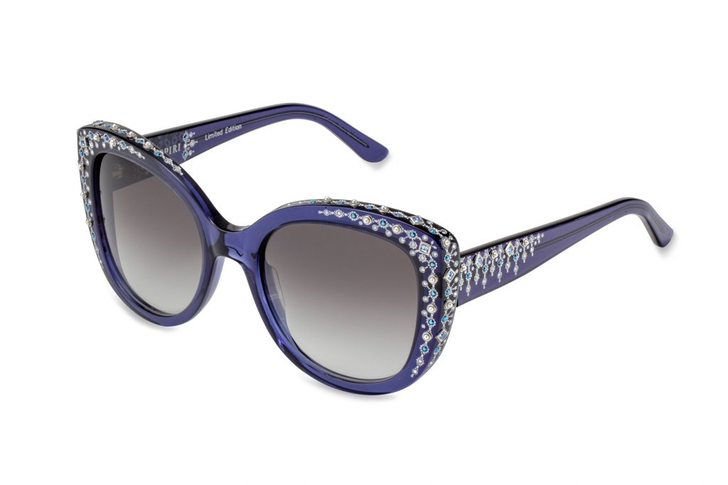 FIONA LTD c.260 – Blue with light sapphire and metallic blue crystals